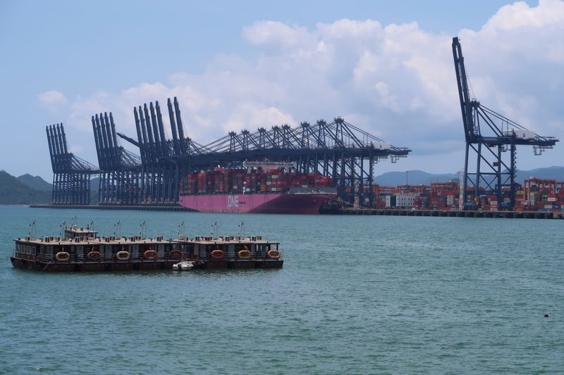 � Reuters. Cranes and containers are seen at the Yantian port in Shenzhen, following the novel coronavirus disease (COVID-19) outbreak