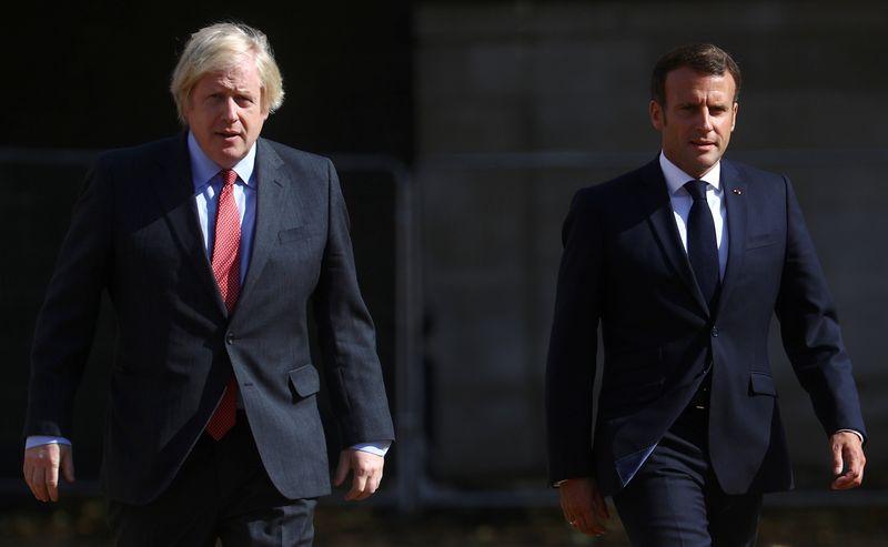 © Reuters. BREXIT: JOHNSON ET MACRON D'ACCORD SUR LA NÉCESSITÉ D'ENREGISTRER DES PROGRÈS