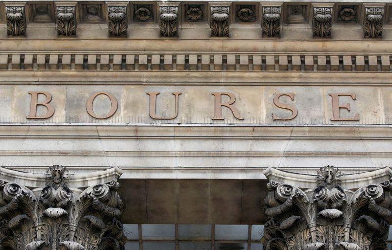 © Reuters. LES BOURSES EUROPÉENNES DANS LE ROUGE EN DÉBUT DE SÉANCE