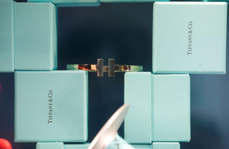 LVMH abandons $16 billion Tiffany takeover, battle lines drawn