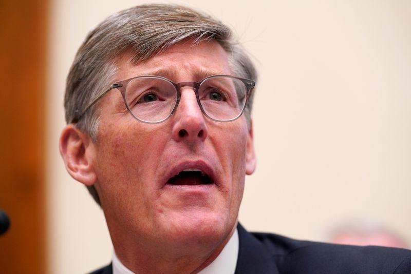 © Reuters. Michael L. Corbat, director ejecutivo de Citigroup, testifica en una audiencia del Comité de Servicios Financieros de la Cámara de Representantes en Capitol Hill en Washington