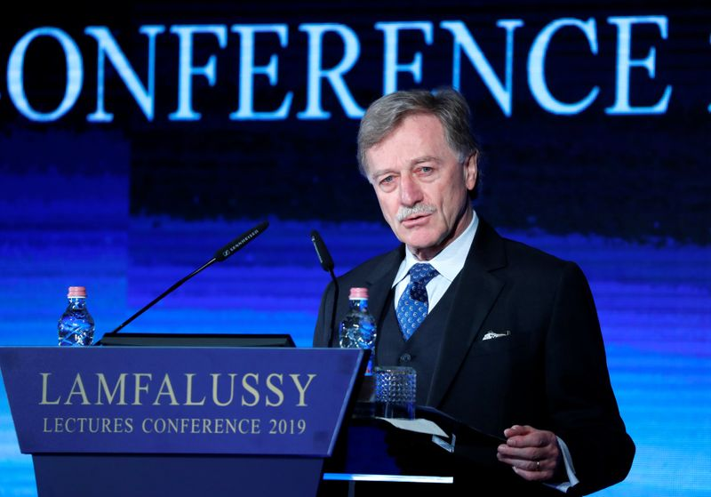 © Reuters. Mersch, Member of the Executive Board of the European Central Bank delivers a speech during Lamfalussy Lectures Conference in Budapest