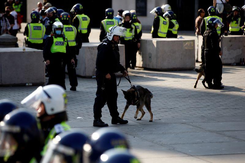 Echauffourées lors d'une manifestation anti-confinement à Londres