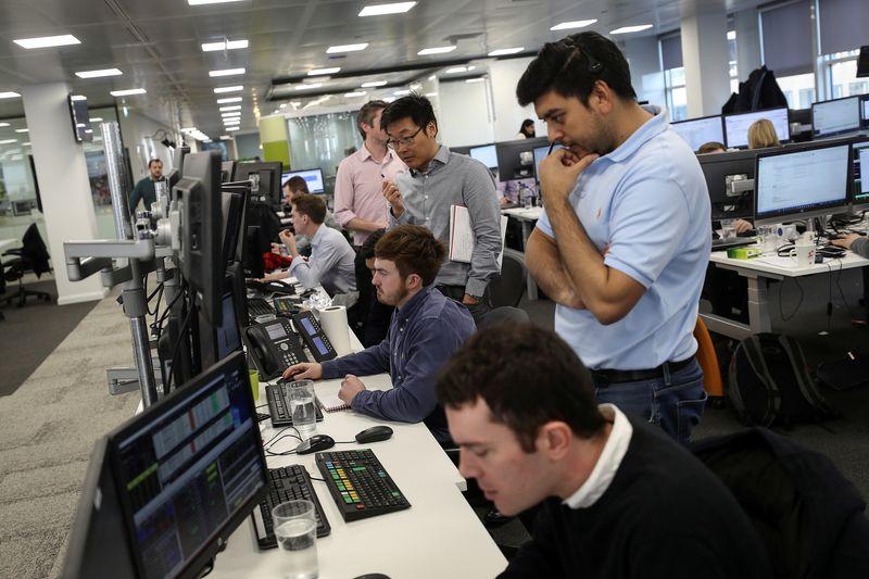 HSBC, Diageo drive gains in London's FTSE 100