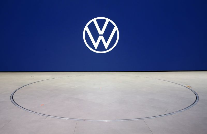 Volkswagen, Chinese ventures to invest 15 billion euros in electric vehicles