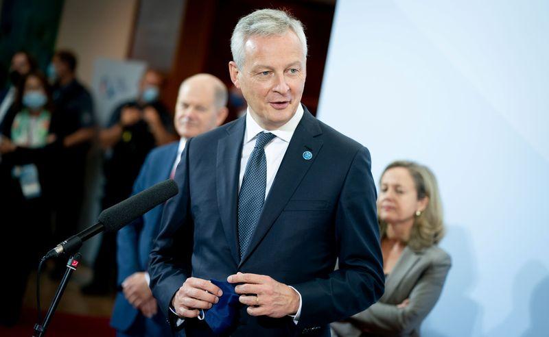 © Reuters. L'ETAT NE SE FERA PAS DICTER SON CALENDRIER SUR SUEZ-VEOLIA, DIT LE MAIRE
