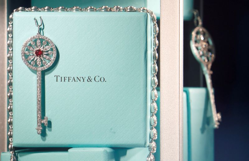 © Reuters. FILE PHOTO: Tiffany & Co. jewelry is displayed in a store in Paris