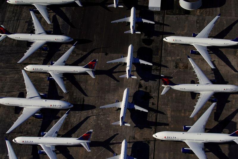© Reuters. USA: LE SECTEUR AÉRIEN ESPÈRE UNE NOUVELLE AIDE DE 25 MILLIARDS DE DOLLARS