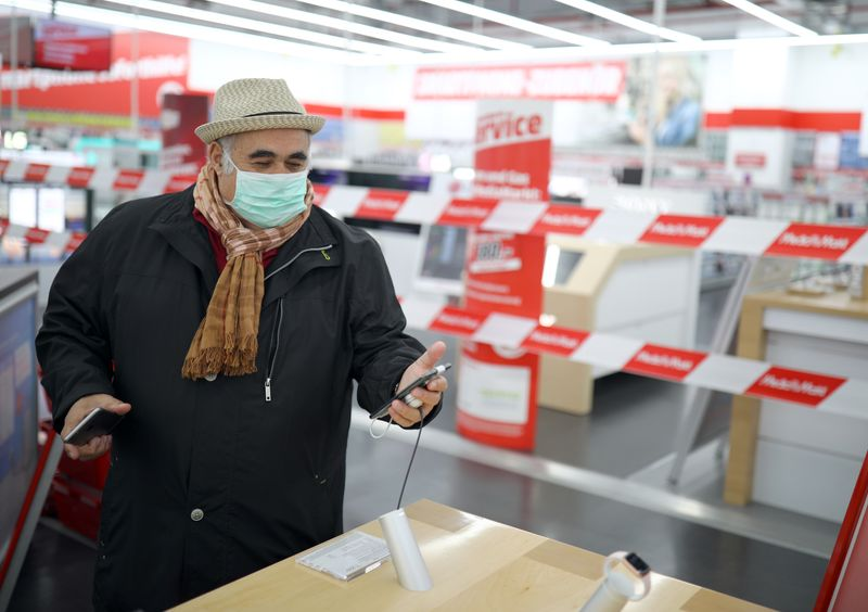 Fortes vendas no varejo e queda do desemprego na Alemanha aumentam esperanças de recuperação