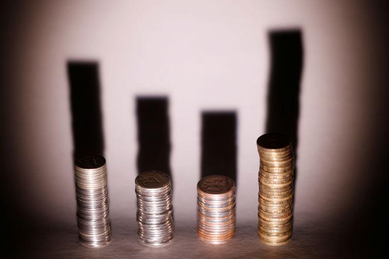 Рубль дорожает из-за глобального оптимизма и ожиданий роста продаж валюты