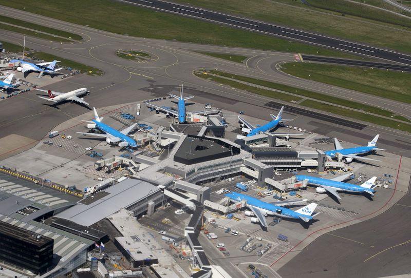 © Reuters. KLM SOUMET SON PLAN DE RESTRUCTURATION À L'ETAT NÉERLANDAIS