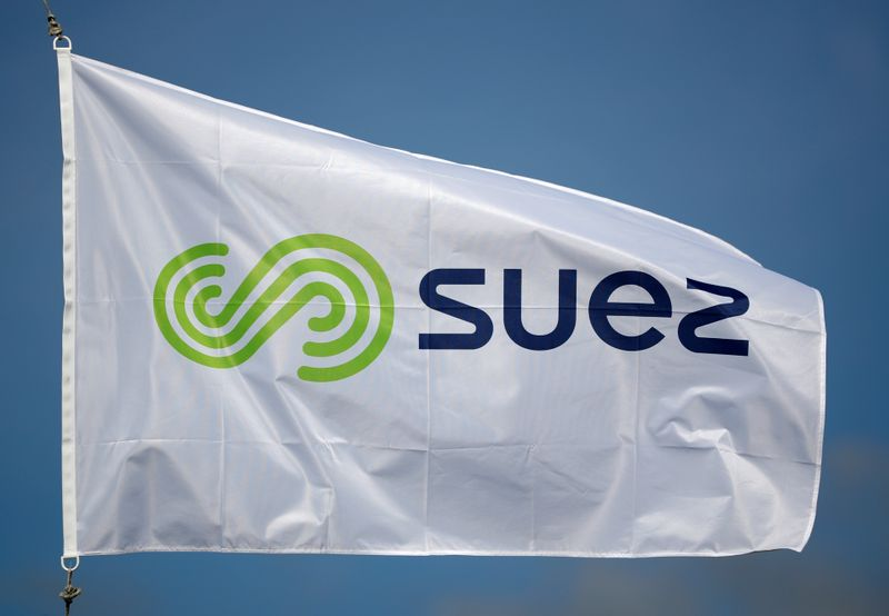 © Reuters. Logo of Suez