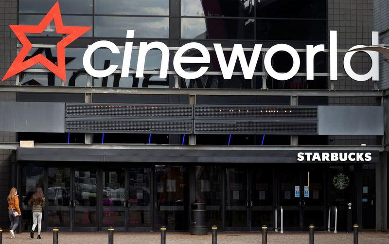 Cineworld закроет кинотеатры в США и Британии, оставив без работы 45.000 сотрудников