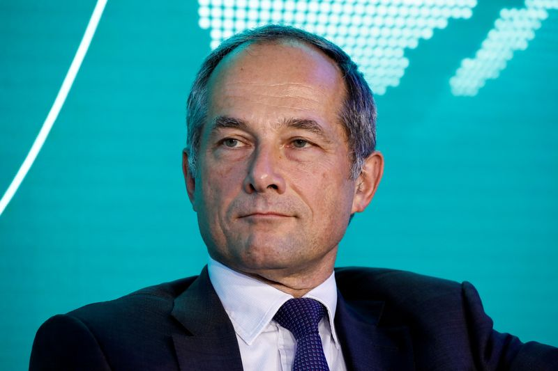 Risk haunts Societe Generale's Oudea in elusive hunt for growth