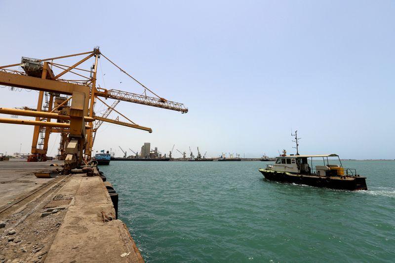 © Reuters. FILE PHOTO: Ship is seen at Hodeidah port in Hodeidah