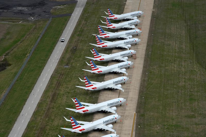© Reuters. American Airlines 737 max passenger planes are parked on the tarmac at Tulsa International Airport in Tulsa