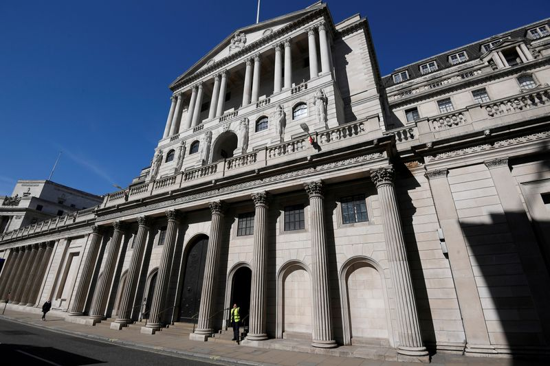 © Reuters. FILE PHOTO: The Bank of England in London, Britain