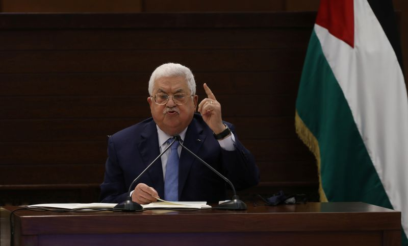 © Reuters. Rival Palestinian factions hold rare joint meeting over Israel-UAE deal