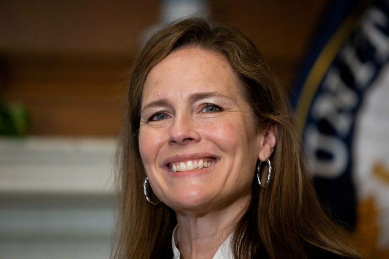 © Reuters. FILE PHOTO: U.S. Supreme Court nominee Amy Coney Barrett at the U.S. Capitol in Washington
