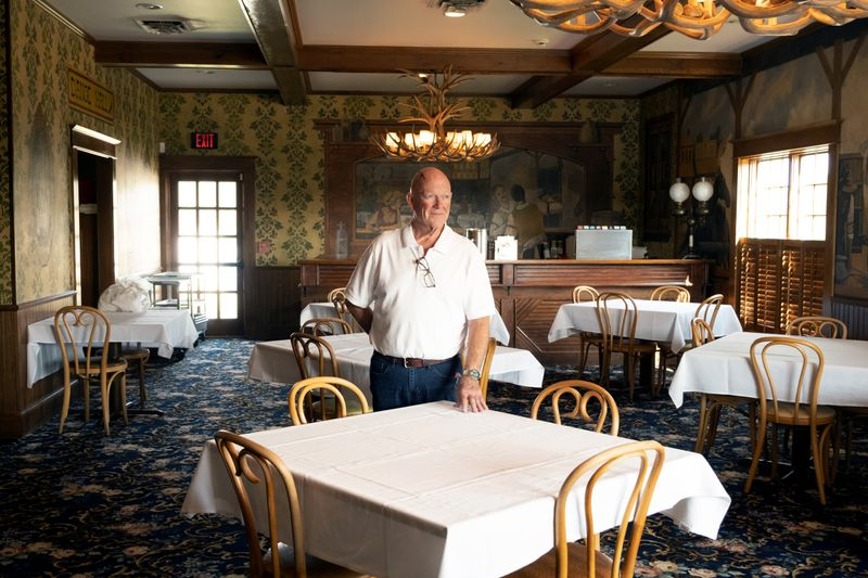 © Reuters. Kansas family restaurant survived the Depression, but not the pandemic