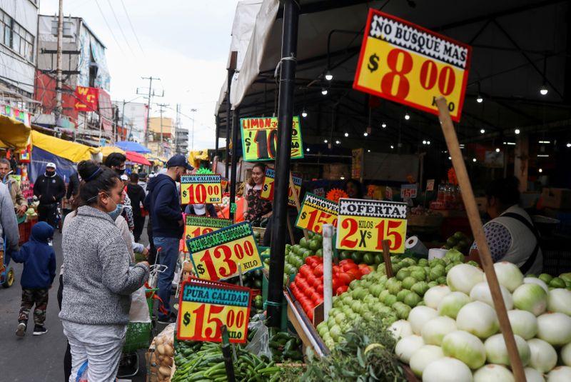 FMI vê menor retração da economia brasileira em 2020 e crescimento de 2,8% em 2021