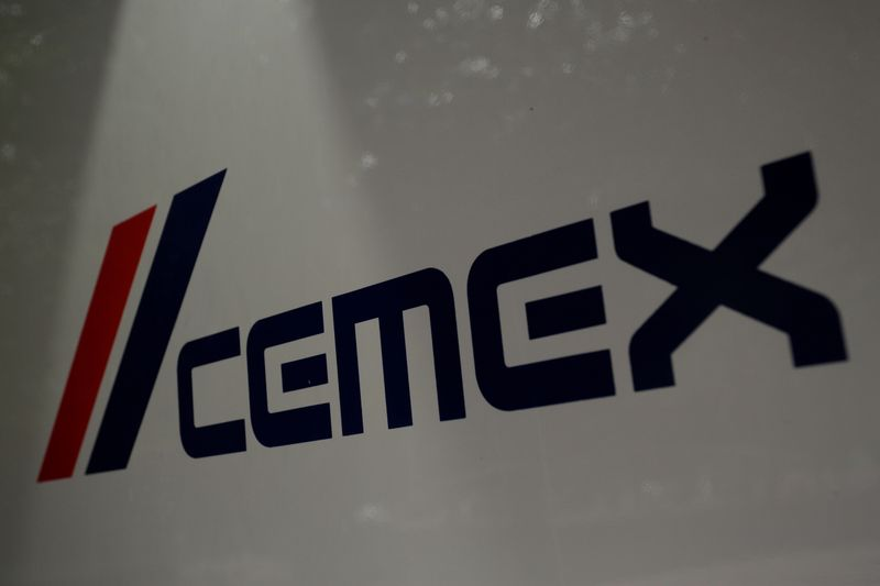 © Reuters. FILE PHOTO: Logo of Mexican cement company CEMEX is pictured in Monterrey