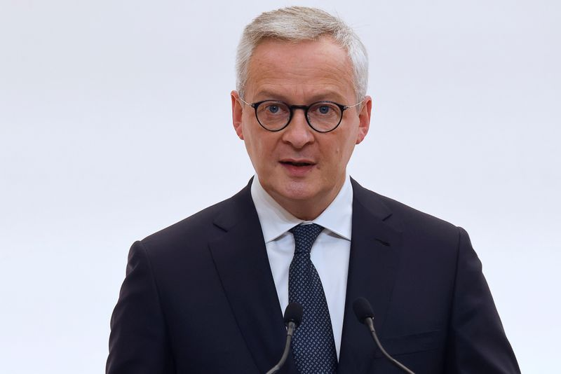 © Reuters. French Economy and Finance Minister Bruno Le Maire speaks during a press conference in Paris