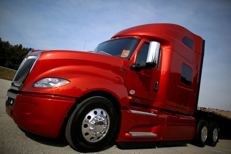 © Reuters. FILE PHOTO: A Navistar LT Series truck is photographed at the Navistar Proving Grounds in New Carlisle