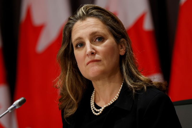 © Reuters. Canada's Deputy Prime Minister and Minister of Finance Chrystia Freeland takes part in a news conference on Parliament Hill in Ottawa