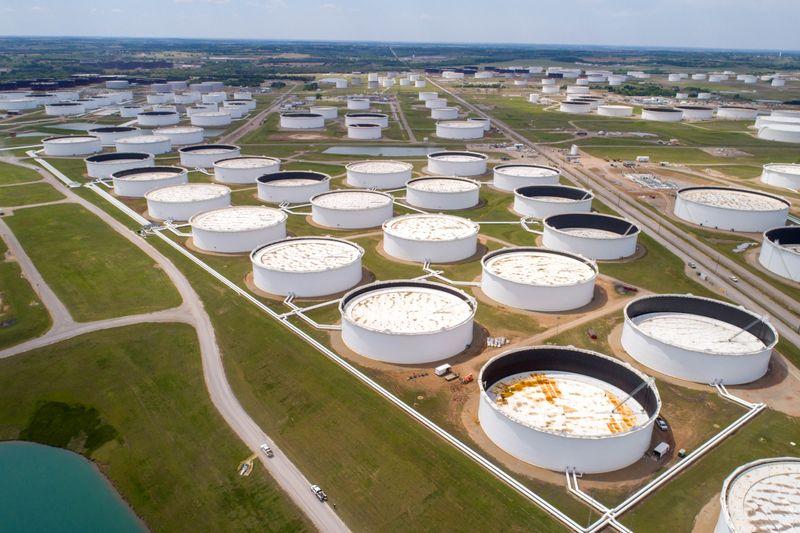 Preços do petróleo caem após dados de estoque nos EUA refletirem demanda fraca