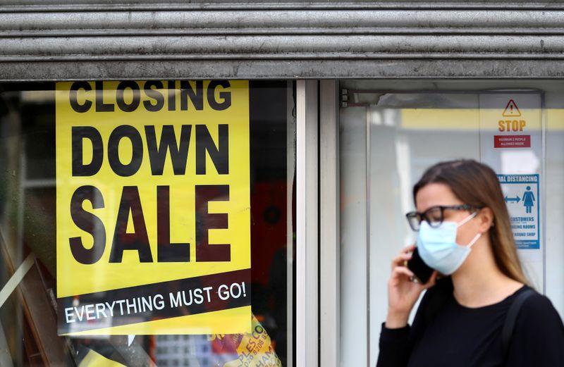 © Reuters. FILE PHOTO: Outbreak of the coronavirus disease (COVID-19), in London