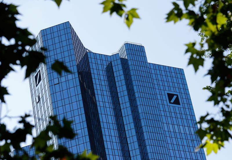 © Reuters. FILE PHOTO: Germany's Deutsche Bank headquarters are pictured in Frankfurt