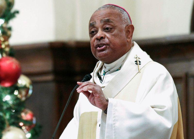 © Reuters. FILE PHOTO: Roman Catholic Archbishop of Atlanta Wilton Gregory speaks to parishioners in Atlanta, Georgia