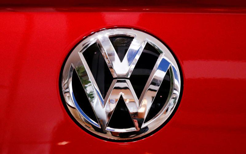 © Reuters. VW VA PLACER BENTLEY SOUS LE CONTRÔLE D'AUDI, RAPPORTE AUTOMOBILWOCHE