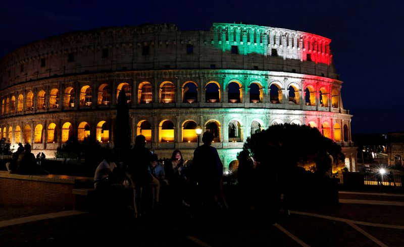 © Reuters. FILE PHOTO: The Colosseum in Rome, Italy