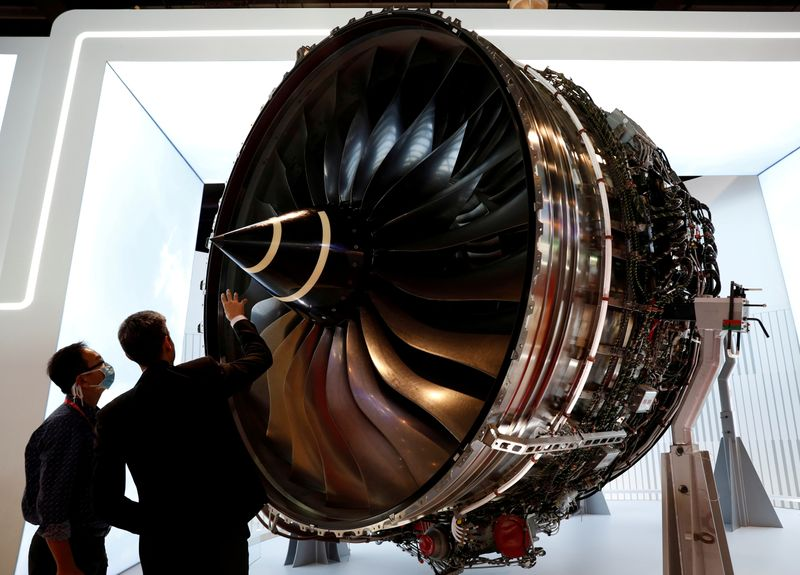 Rolls-Royce rescue plan flies as shareholders back £2 billion rights issue