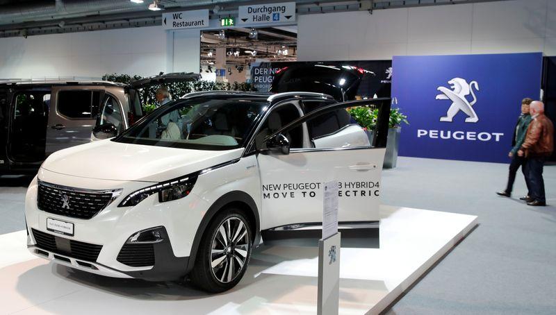 Peugeot maker PSA's car revenue returns to growth after lockdowns