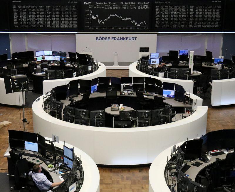 © Reuters. L'EUROPE FINIT EN BAISSE