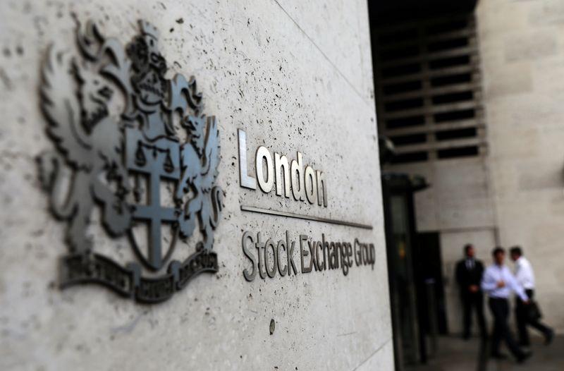 FTSE 100 edges higher on strong Lloyds Bank, Shell earnings