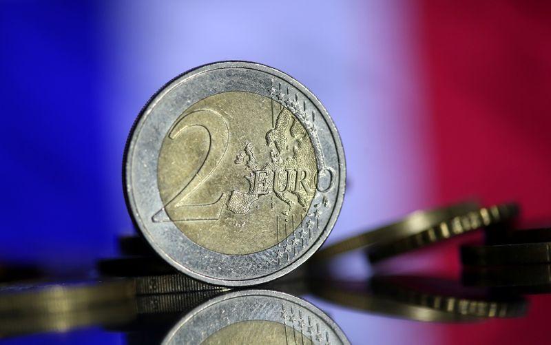 © Reuters. FRANCE/CORONAVIRUS: 20 MILLIARDS D'EUROS POUR