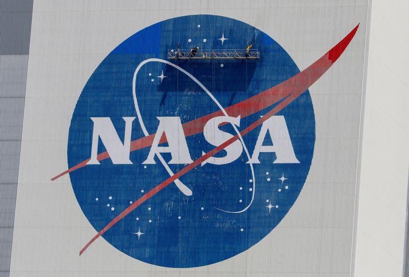 © Reuters. Foto de archivo del logo de la NASA en Cabo Cañaveral
