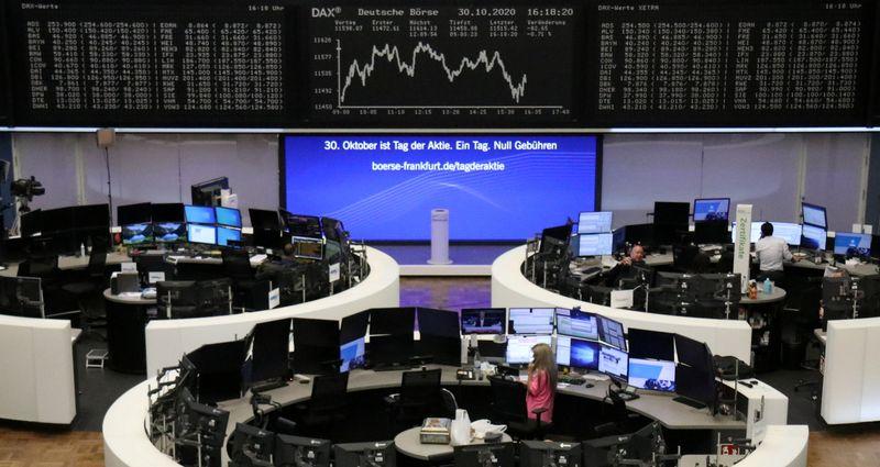 © Reuters. LES BOURSES EUROPÉENNES TERMINENT EN ORDRE DISPERSÉ