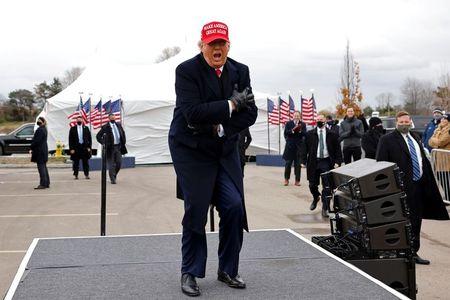 Trump inicia tramo final de campaña dos días antes de elecciones EEUU Por  Reuters
