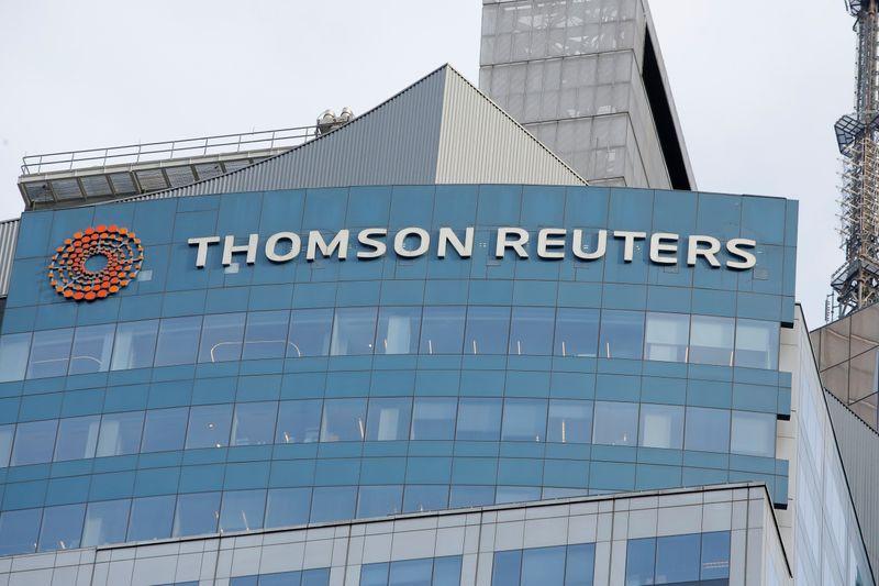 © Reuters. THOMSON REUTERS: LE CA ET LES PRÉVISIONS DE TRÉSORERIE DOPENT LE TITRE