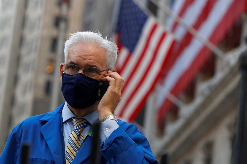 © Reuters. LA BOURSE DE NEW YORK OUVRE EN HAUSSE