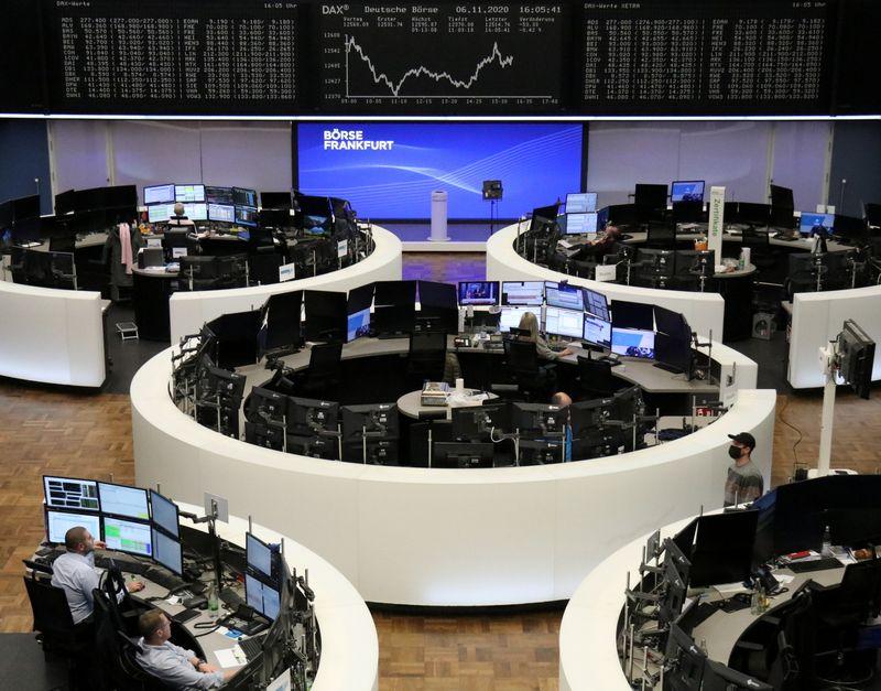 © Reuters. LES PRINCIPALES BOURSES EUROPÉENNES TERMINENT EN BAISSE