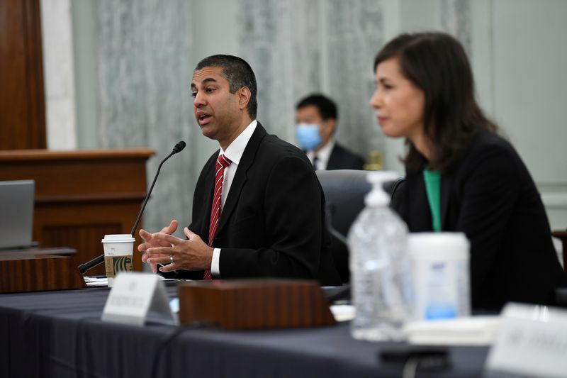 © Reuters. FILE PHOTO: FCC commissioners testify before U.S. Congress in Washington in June 2020