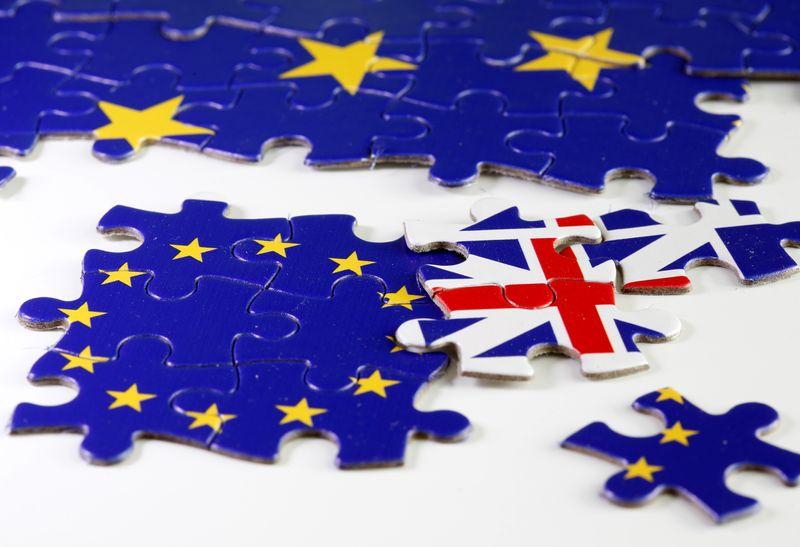 © Reuters. ACCORD POST-BREXIT: LONDRES ET BRUXELLES NE POURRONT PAS TENIR LEUR OBJECTIF DE LA MI-NOVEMBRE