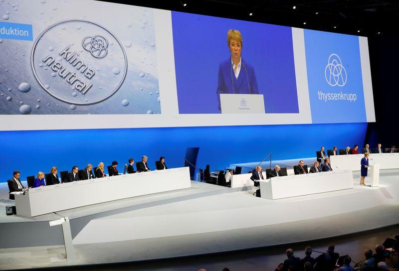 © Reuters. German steelmaker Thyssenkrupp AG annual shareholders meeting in Bochum