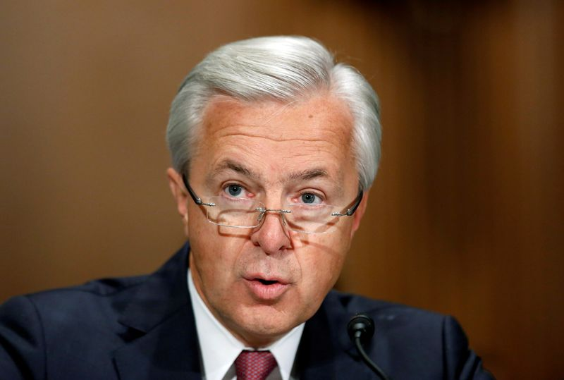 © Reuters. Wells Fargo CEO Stumpf testifies before Senate Banking Committee hearing on firm's sales practices on Capitol Hill in Washington